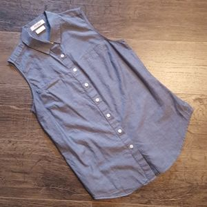 Van Heusen Sleeveless Button Down Small